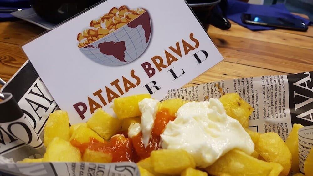 patatas-bravas-las-cervezas-del-mercado