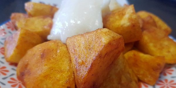patatas-bravas-con-alioli
